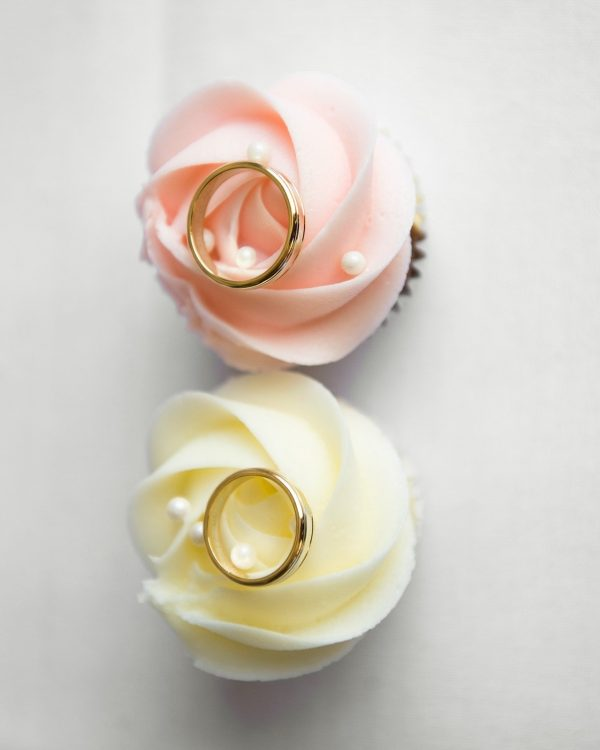 pastel cupcakes with rings
