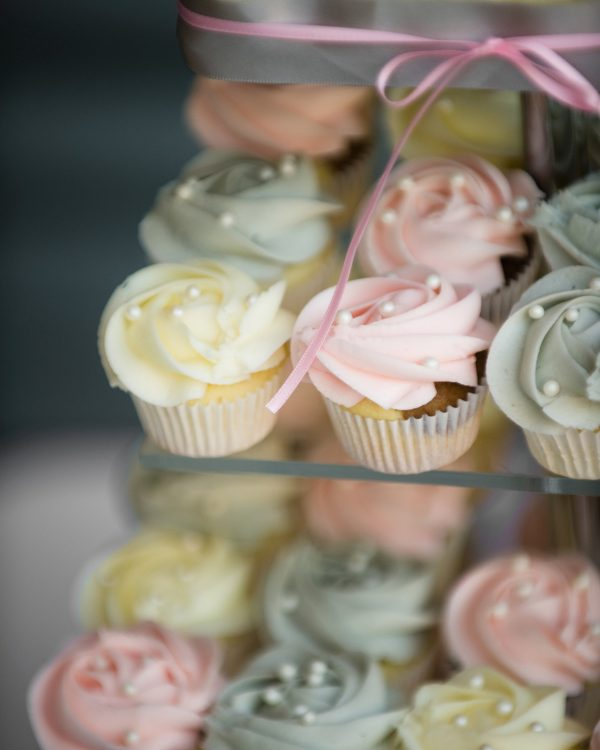 pastel colour wedding cupcakes
