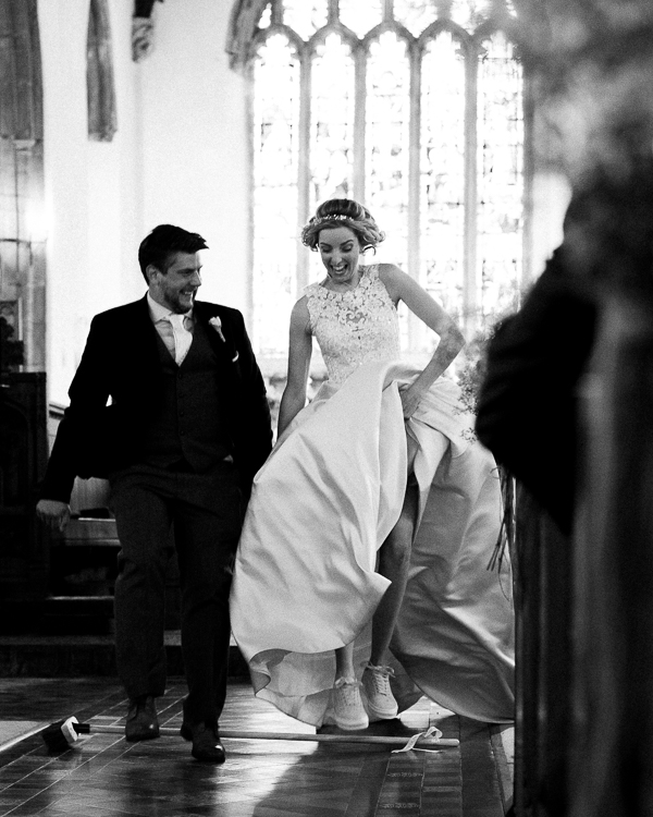 orbit photography wedding couple in church